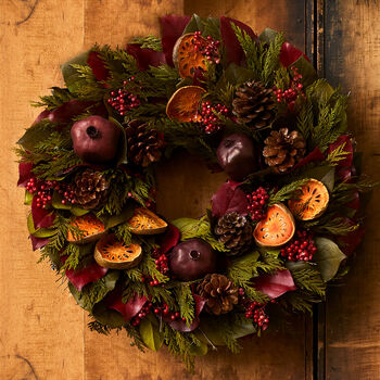 Holiday Classic Wreath - 18""
