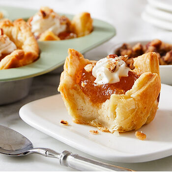 Cinnamon Apple Cheesecakes in Puff Pastry